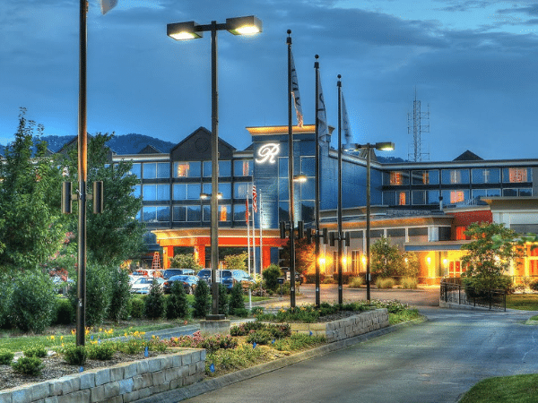 The Ramsey Hotel in Pigeon Forge partnering with Walking In The Smokies